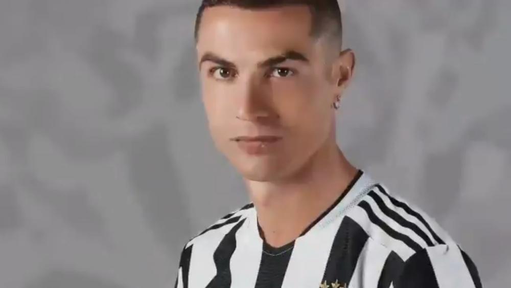 Juventus si-a anuntat noul echipament! Ce tricouri vor purta Ronaldo si Dybala din sezonul urmator