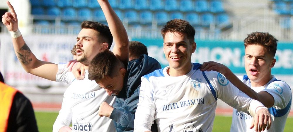 Primul duel intre FCU Craiova si CFR Cluj! Cele doua echipe se lupta pentru transferul unui atacant de 22 de ani
