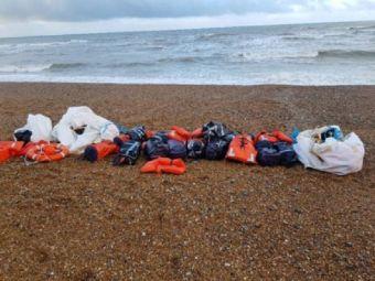 Halucinant! Au gasit cocaina de 90 de milioane de euro pe plaja! Aproape o tona de droguri, ascunse in veste de salvare