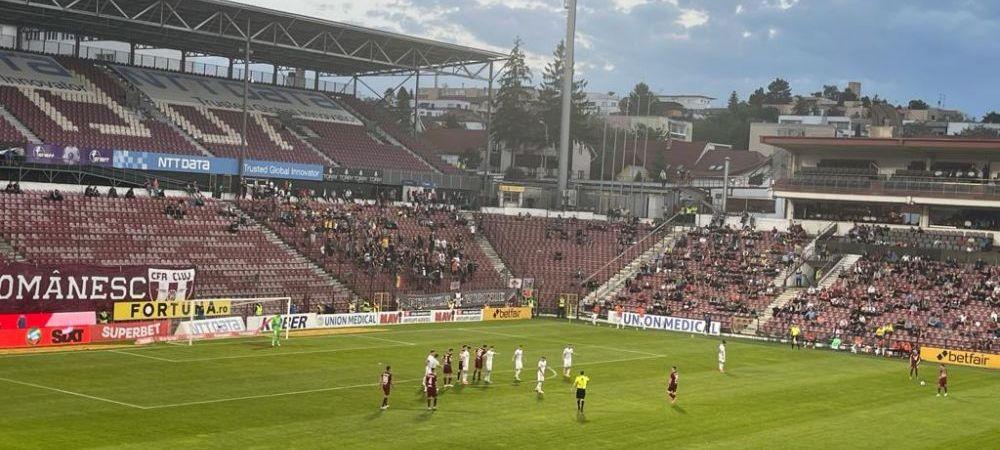 FCSB, huiduita la primul meci cu suporteri din acest sezon al Ligii 1! Cum au fost primiti jucatorii lui Becali la Cluj