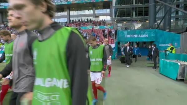 Momentele fantastice si nevazute de la Danemarca - Finlanda! Ce au facut jucatorii finlandezi cand adversarii lor au revenit pe teren sa joace meciul