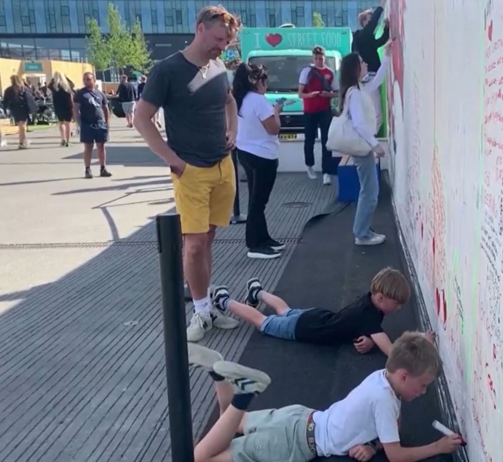 Gest superb al fanilor danezi! Modul inedit prin care si-au aratat sustinerea fata de Eriksen