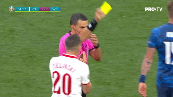 Hategan arata primul cartonas rosu de la Euro! Krychowiak vede al doilea galben si e eliminat