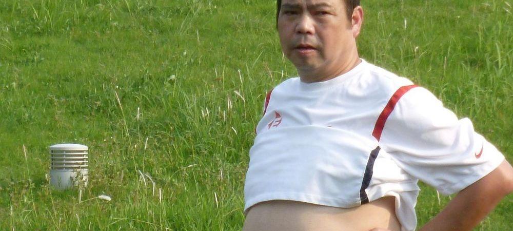 Mai tare ca Gigi Becali! Un milionar din Hong Kong e patron de club, presedinte, director sportiv, antrenor secund si jucator