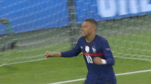 Gol ANULAT! Benzema inscrie din pasa lui Mbappe, insa arbitrul anuleaza reusita cu ajutorul VAR dupa ofsaid la starul lui PSG