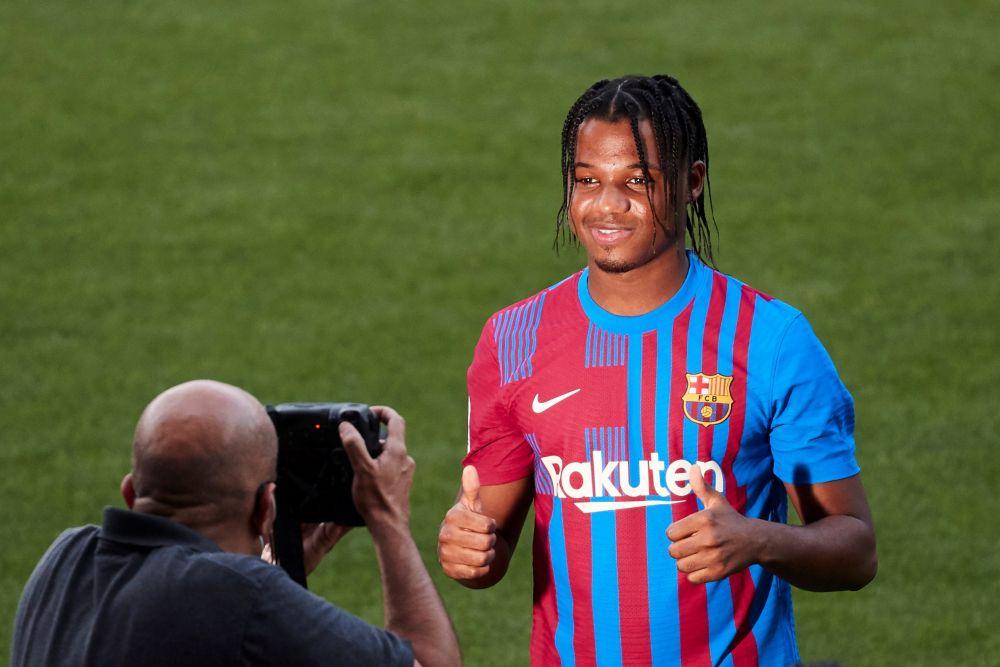 Barcelona si-a prezentat noul echipament din sezonul urmator! Nimeni nu l-a recunoscut pe Ansu Fati! Schimbare completa de look a pustiului-minune