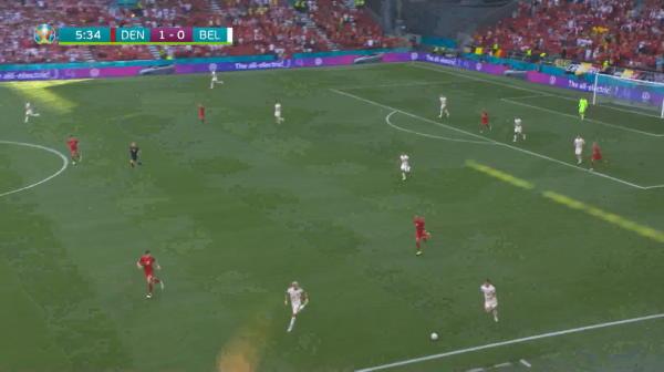 Danemarca trece pe langa 2-0 in minutul cinci