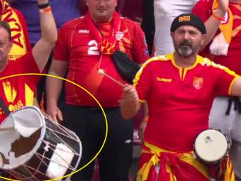 Imaginile din Bucuresti fac inconjurul lumii! Suporterul care batea in toba sparta pe National Arena a plecat in centrul vechi imediat dupa meci! Cum a fost surprins la 5 ore dupa joc