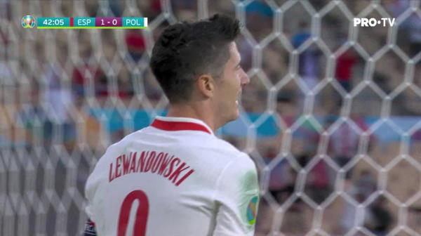 Dubla ocazie pentru Polonia! Lewandowski rateaza incredibil din interiorul careului