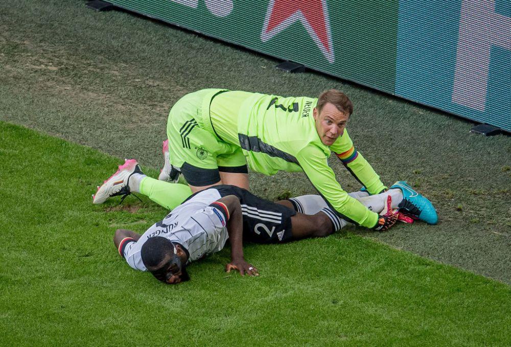 Imaginea care a starnit mii de aprecieri pe internet. Cum a fost suprins Neuer in timpul meciului cu Portugalia