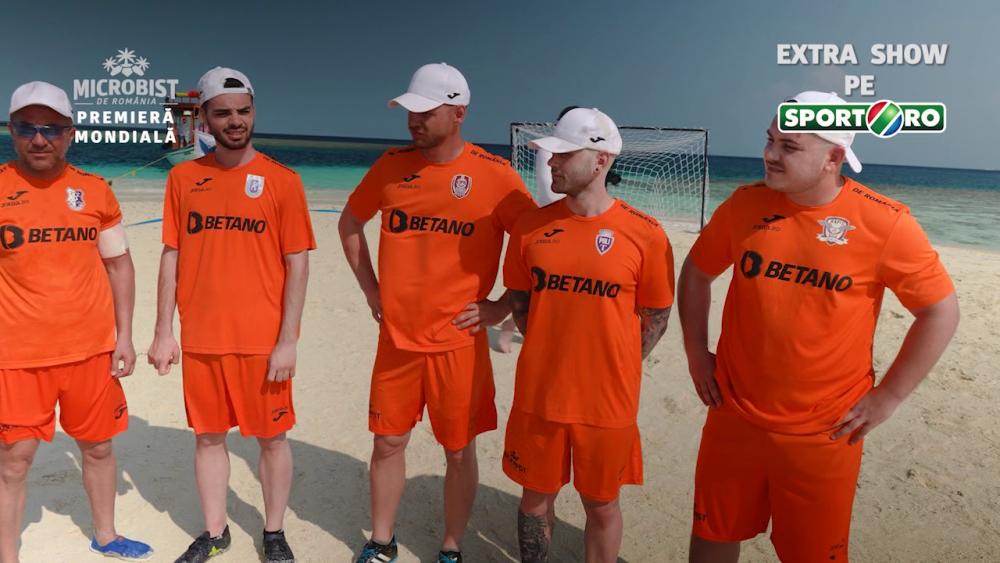 Premiera mondiala! Romanii au jucat fotbal pe un banc de nisip, in mijlocul oceanului. Imaginie incredibile care au cucerit internetul