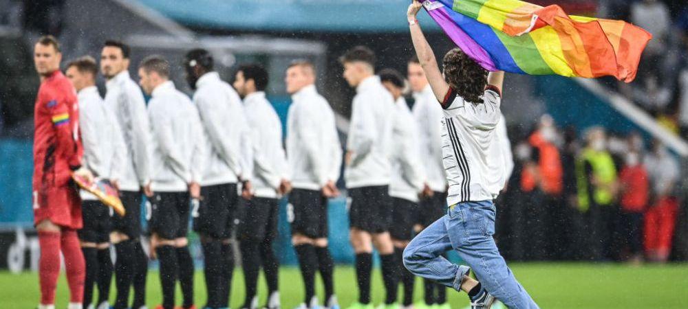 Moment controversat la inceputul meciului Germania - Ungaria: un suporter a intrat pe teren cu steagul LGBT. Ce nu s-a vazut la TV