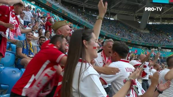 GOOOOOL Polonia! Lewandowski face o cursa de 30 de metri apoi sutea imparabil din coltul careului de 16 metri