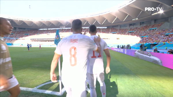 GOOOOOOL Spania! Torres marcheaza la prima atingere de balon. Fotbalistul intrase de doar 30 de secunde pe teren