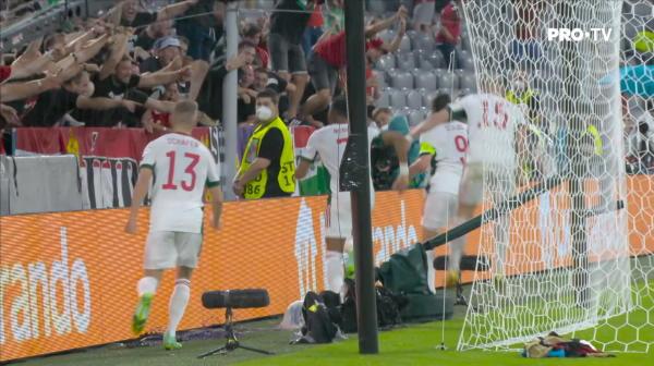 GOOOOOL Ungaria! Sallai centreaza in careu la capatul unui atac in viteza, iar Adam Szalai reia imparabil cu capul