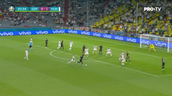 Ocazie mare pentru Germania! Kroos a executat excelent o lovitura de la colt, iar Hummels a reluat cu capul, insa mingea a lovit bara