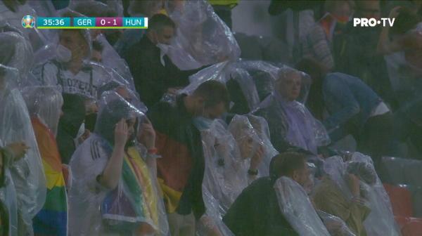 Momente incredibile pe arena din Munchen: nemtii au inceput sa plece de pe stadion in minutul 36. Imaginile care au facut inconjurul lumii