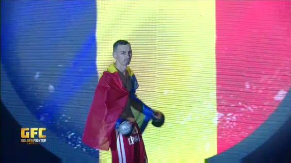 Cel mai spectaculos KO pe care l-ai vazut vreodata! Alin Cimpan aruncat din ring de olandezul Mustapha Hourri. Imagini incredibile de la gala Golden Fighter
