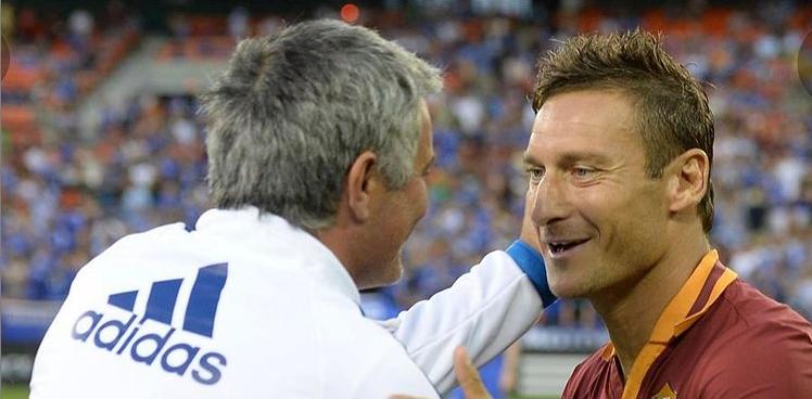 "Mourinho catre Totti: ""Ar fi fost o onoare sa te antrenez"" Ce i-a transmis legenda Romei"