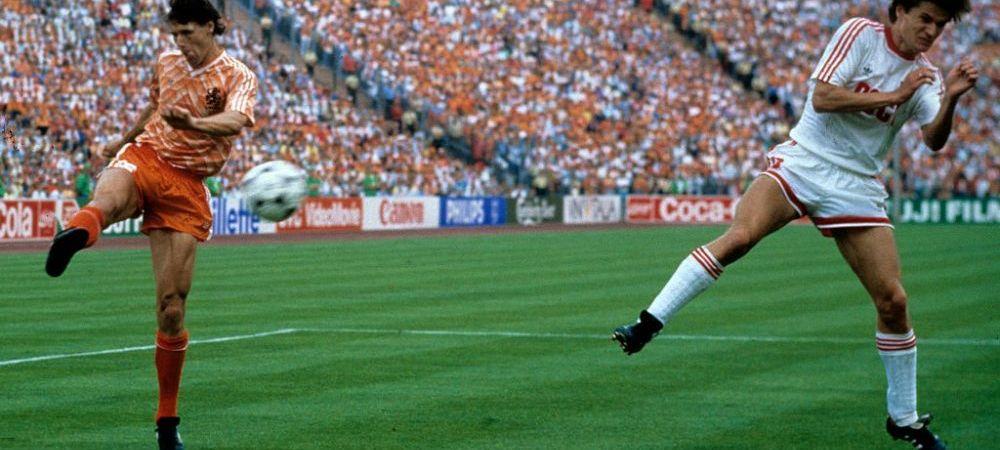 33 de ani de la probabil cel mai frumos gol din istoria Euro! Iti amintesti de o executie mai buna?