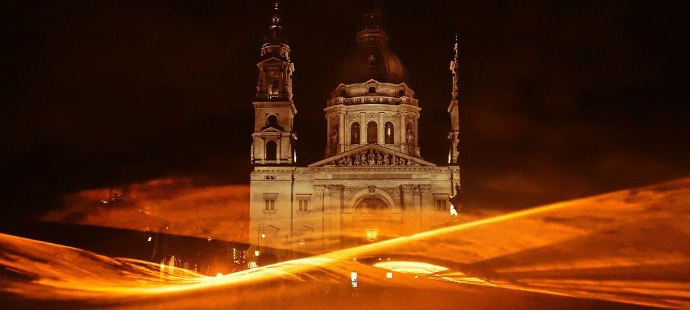 Tarile de Jos au colorat Budapesta in portocaliu! Imaginile care fac inconjurul lumii