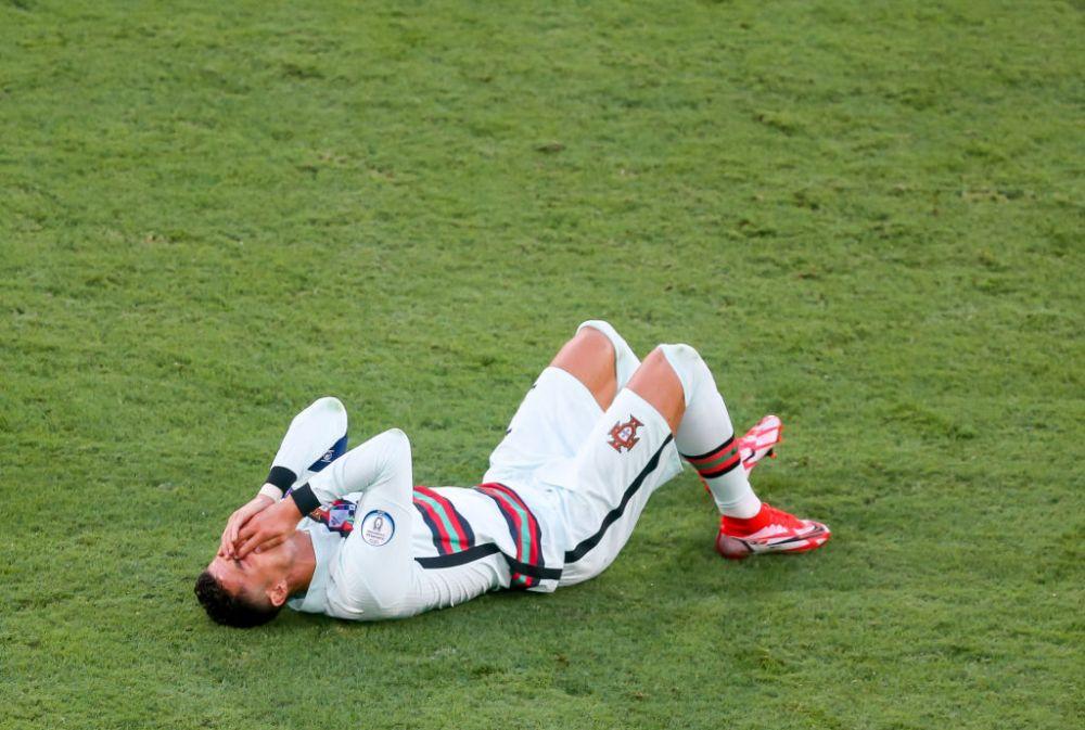 Ce-a incercat Ronaldo sa faca acolo?! Starul portughez s-a tavalit pe jos dupa ce s-a izbit intentionat de un adversar