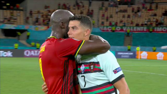Momentul care face inconjurul lumii! Lukaku s-a dus direct la Ronaldo imediat dupa finalul meciului de la Euro! Ce i-a facut