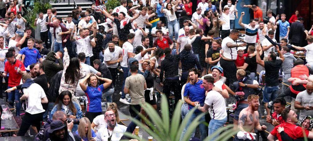 Dusuri cu bere si isterie totala! Cum s-au bucurat fanii englezi dupa ce au eliminat Germania