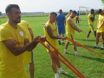 Inca un caz Steaua vs FCSB in Romania? Petrolul a plus plasturi pe siglele clubului, fanii au luat foc! Detalii de ultima ora