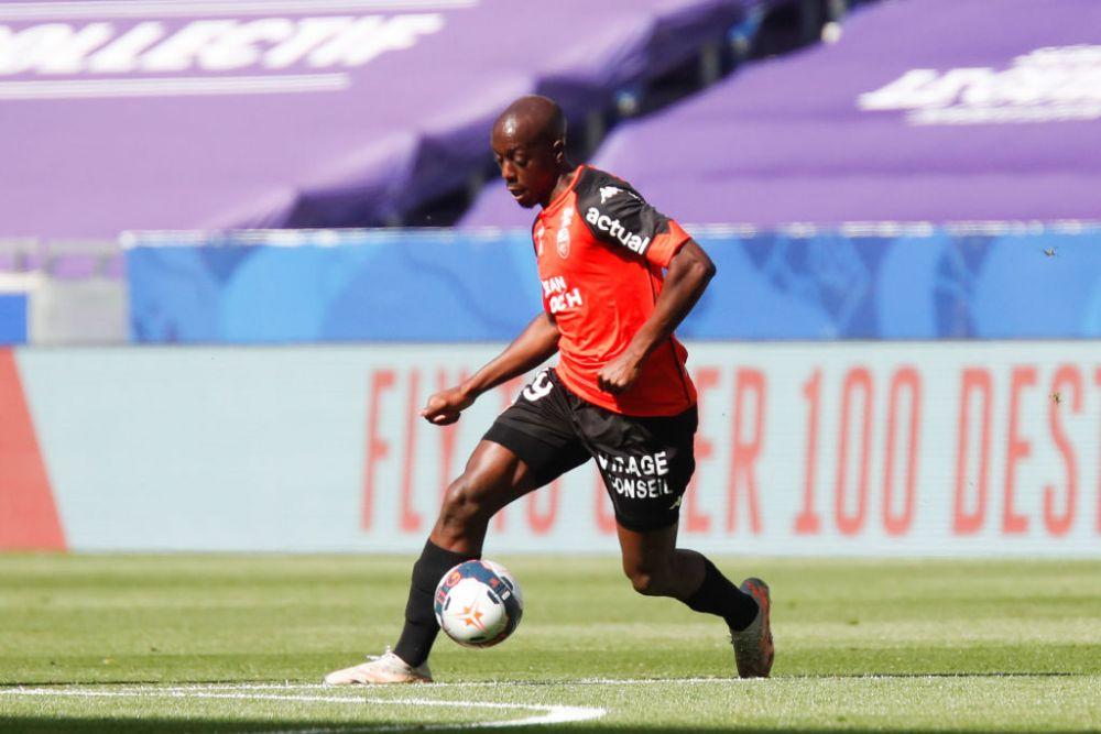 Drama prin care trece un star din Ligue 1! Fotbalistul, atacat cu acid in miez de noapte