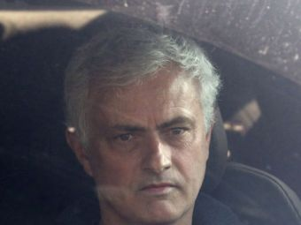 """Mourinho, facut praf de presa din Anglia dupa calificarea in semifinale! """"L-a facut pe fostul sef sa isi inghita vorbele"""""""