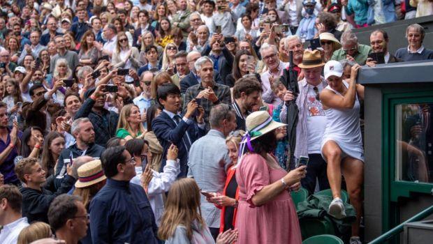 Asa se bucura parintii cand fiica lor castiga turneul de la Wimbledon! Clipul viralizat pe Twitter cu bucuria familiei Barty