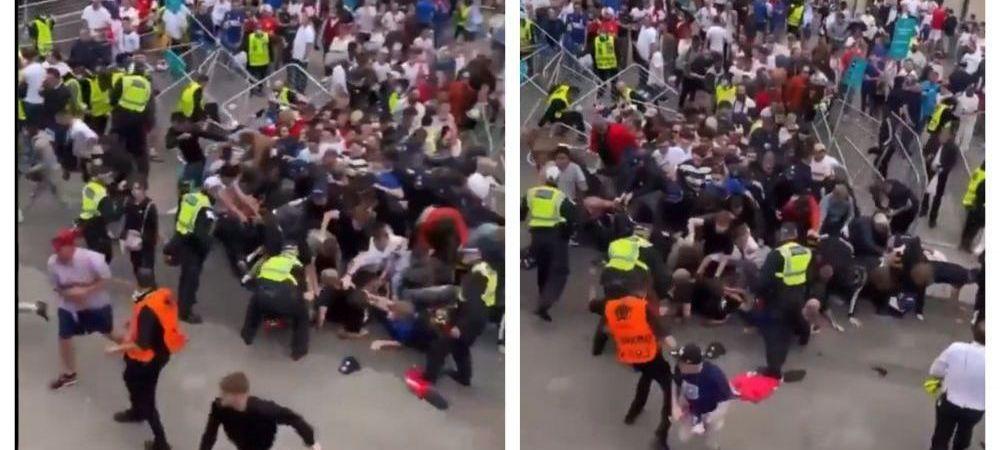 Southgate are o noua optiune pentru aparare! :)) Un steward opreste intrusii de pe Wembley numai cu intrari prin alunecare!