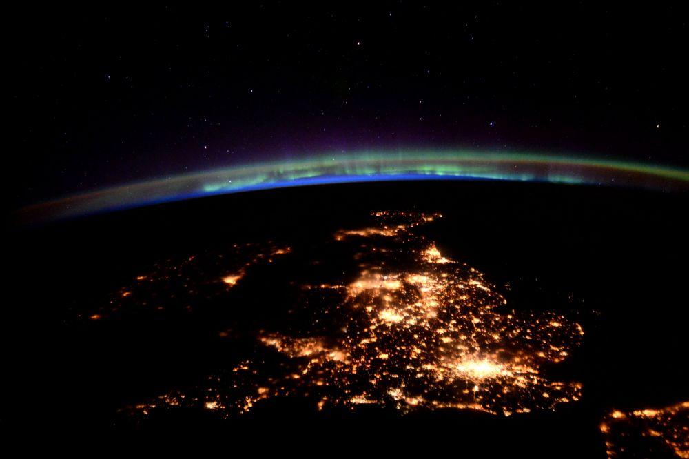Nimeni nu doarme in Anglia si Italia! Imagini spectaculoase din satelit cu cele doua tari din finala Euro 2020