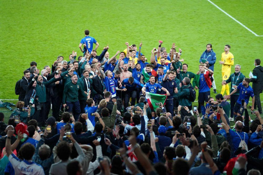 Italia, Regina Europei! Jucatorii lui Mancini s-au auzit mai tare decat toti englezii de pe Wembley! Imagini de senzatie de la ceremonia de premiere