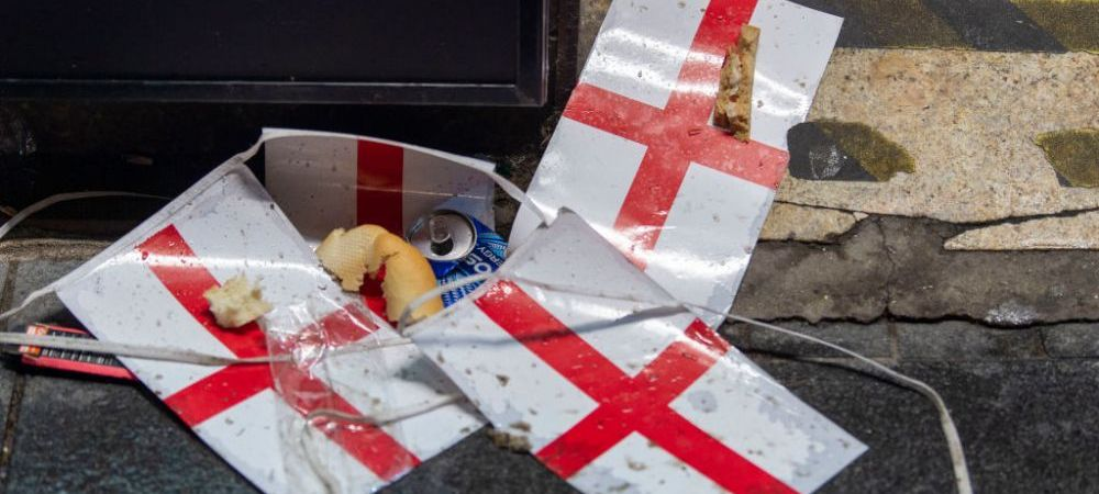 Dezastru la Londra dupa finala pierduta in fata Italiei! Strazile din capitala Angliei s-au transformat in gropi de gunoi GALERIE FOTO
