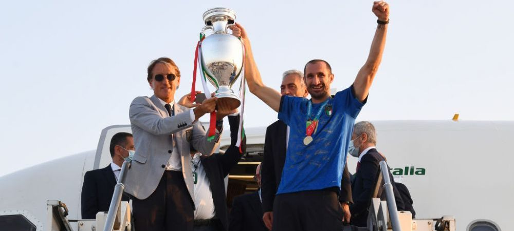 'It is at Rome!'. Trofeul EURO 2020 a ajuns in Italia: Squadra Azzurra a avut parte de o primire impresionanta VIDEO