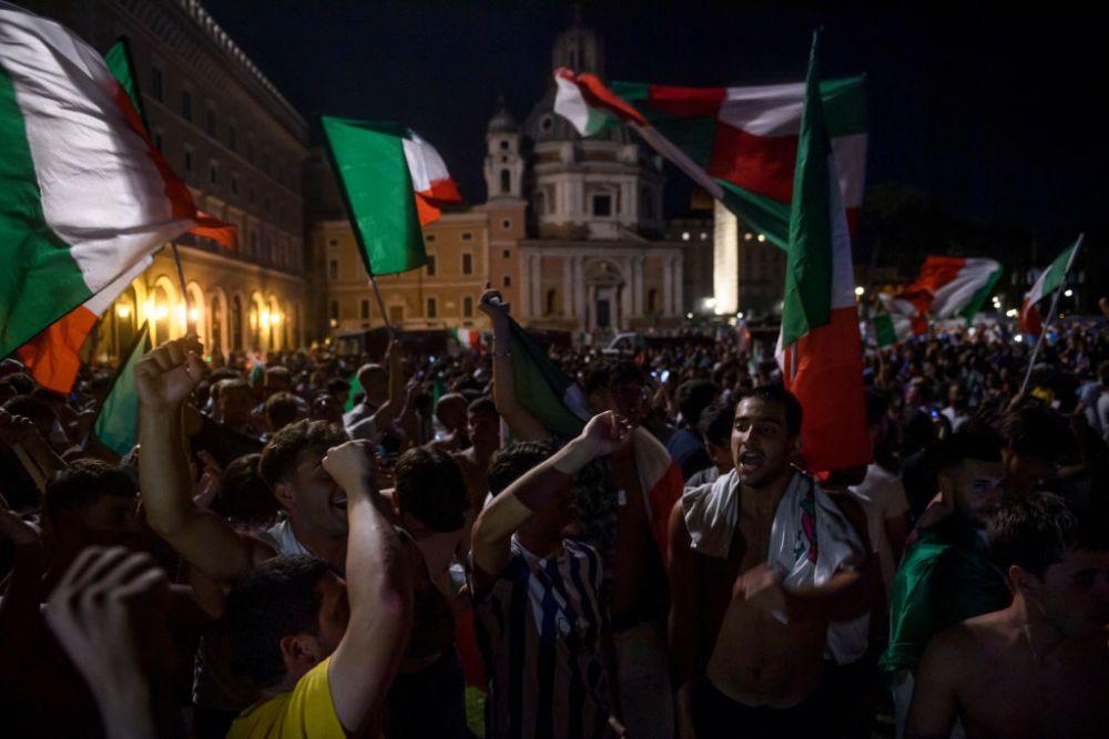 Suporterii englezi si-au pierdut controlul! Au confundat steagul Italiei cu cel al Bulgariei si au atacat Ambasada vecinilor nostri