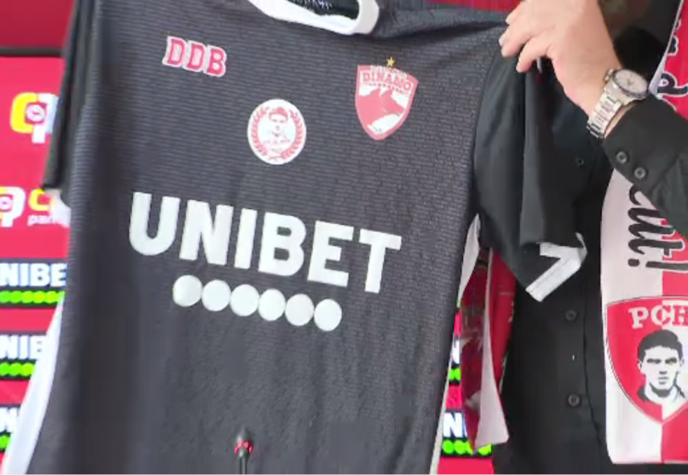 Dinamo si-a lansat noul echipament! Tricoul de joc are 2000 de nume ai actionarilor DDB