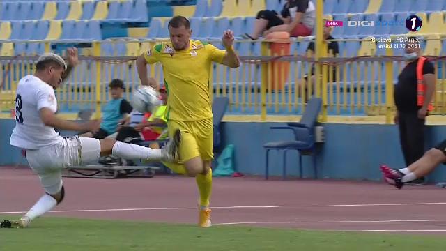 Intrare de K1 a unui fotbalist de la Gaz Metan!Arbitrul Gaman a aratat primul cartonas rosu al sezonului