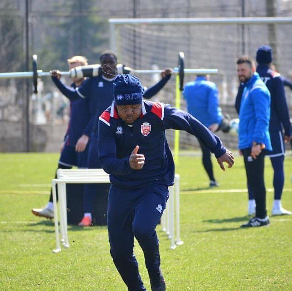 Ongenda și-a adus frații în România! Ambii jucători se află în probe la un club din Moldova