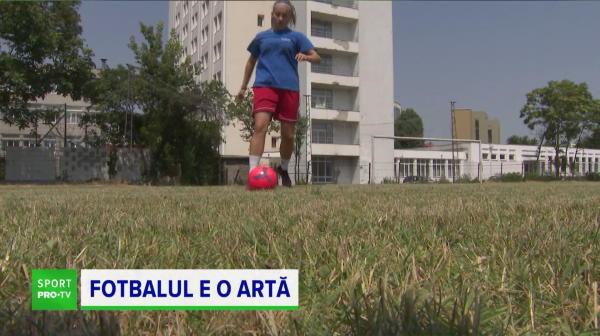 VIDEO | Face fotbal și artă la București și lucrările ei sunt expuse la muzeu. Fata e topită după Dani Alves