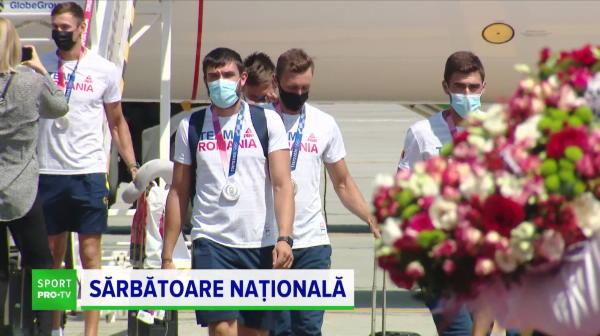 Sărbătoare în Moldova la revenirea canotorilor medaliați de la Jocurile Olimpice! Imagini spectaculoase