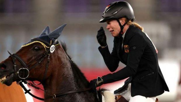 Imagini incredibile la Jocurile Olimpice! Principala favorită la aur a terminat pe ultimul loc din cauza calului!