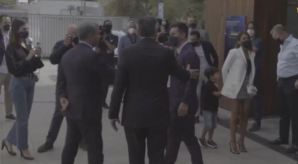 Imagini nevăzute de la conferința lui Messi! Cum a reacționat când s-a întâlnit cu președintele Laporta afară
