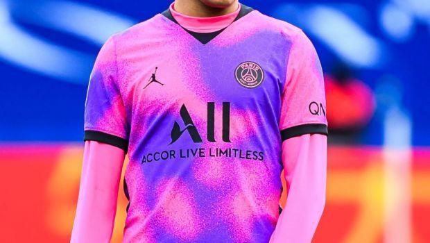 Cele mai frumoase echipamente din sezonul acesta. Man și Mihailă vor purta un tricou deosebit pentru Parma