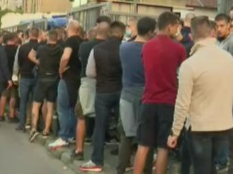 VIDEO | Suporterii Stelei Roșii nu se lasă! Au invadat Clujul, cu toate că nu le este permis accesul pe stadion
