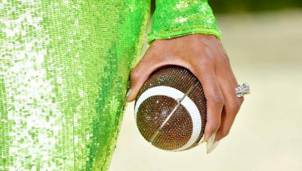 Toți ochii au fost pe ea! Vedeta cunoscută de toată lumea care a purtat un inel cu 712 de diamante la MET Gala