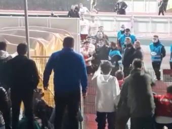 Scandal în Ștefan cel Mare la finalul meciului! Săpunaru a sărit la bătaie după ce l-au înfuriat fanii dinamoviști